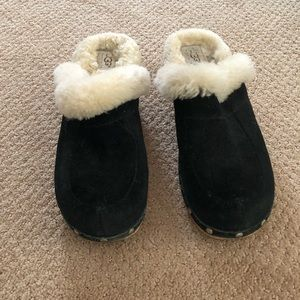 Women's Black UGG clogs